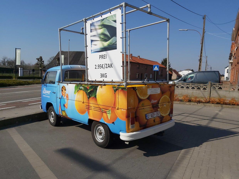 Volkswagen T2 Bus - 3